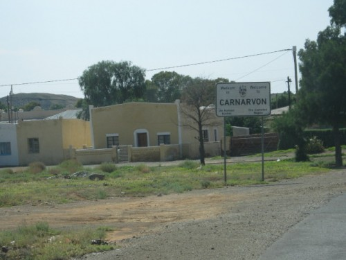 The entrance to the town from Williston (R63)