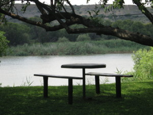 a peaceful setting at the orange river